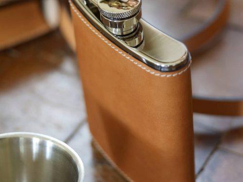 Flasque de poche gainée cuir